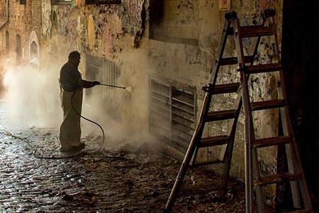 Impresa di pulizie - rimozione graffiti